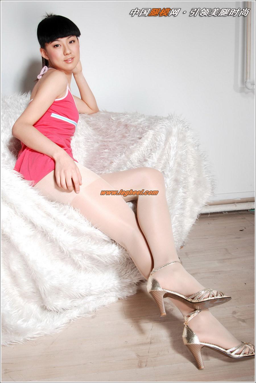 粉色短裙的白丝搔货_ZIYAN 粉红吊带搭配超白亮丝_丝袜美腿-美腿集-Beautyleg|丽柜ligui|中 ...
